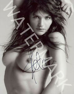 HELENA-CHRISTENSEN-SIGNED-10X8-PHOTO-GREAT-STUDIO-IMAGE-LOOKS-AWESOME-FRAMED