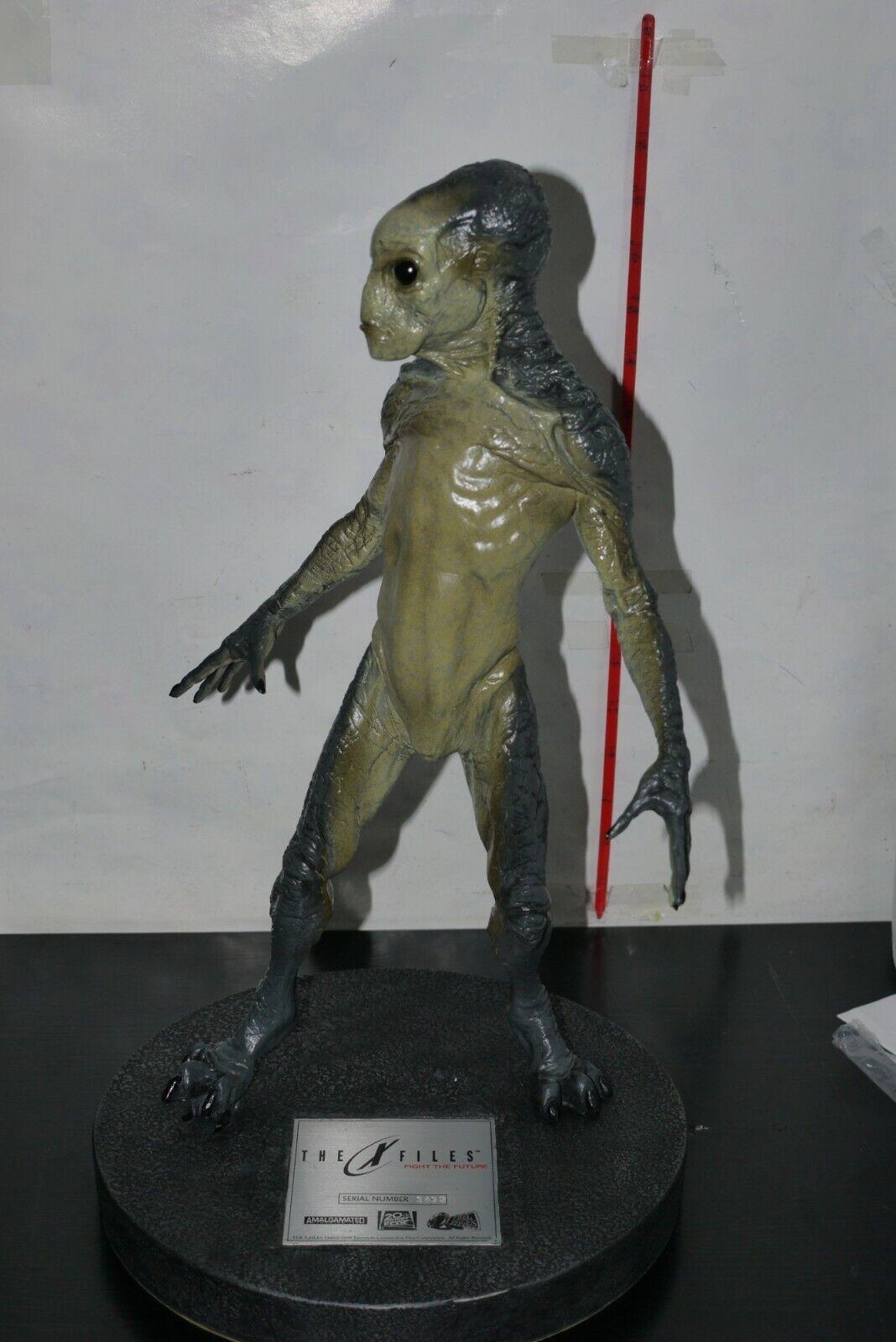 1998 Amalgamated X-Files Fight The Future ALIEN Maquette STATUE BOXED