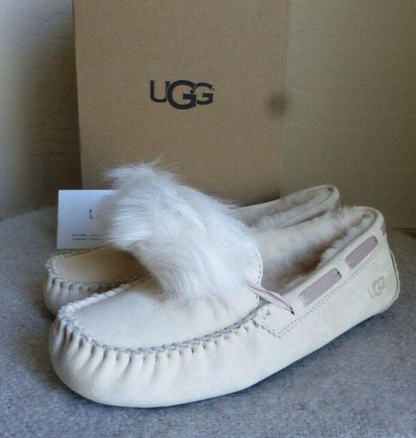 a7a5039014a UGG DAKOTA POM POM Cream SUEDE MOCCASINS WOMEN'S SLIPPERS Size 7 New
