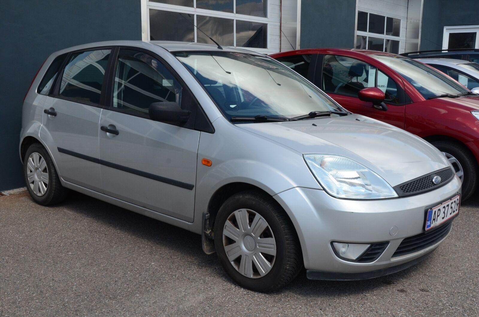 Ford Fiesta 1,4 Ambiente 5d - 22.500 kr.