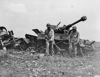 WWII B&W Photo US 1st Armored Panzers Anzio  WW2 World War Two  US Army /1060
