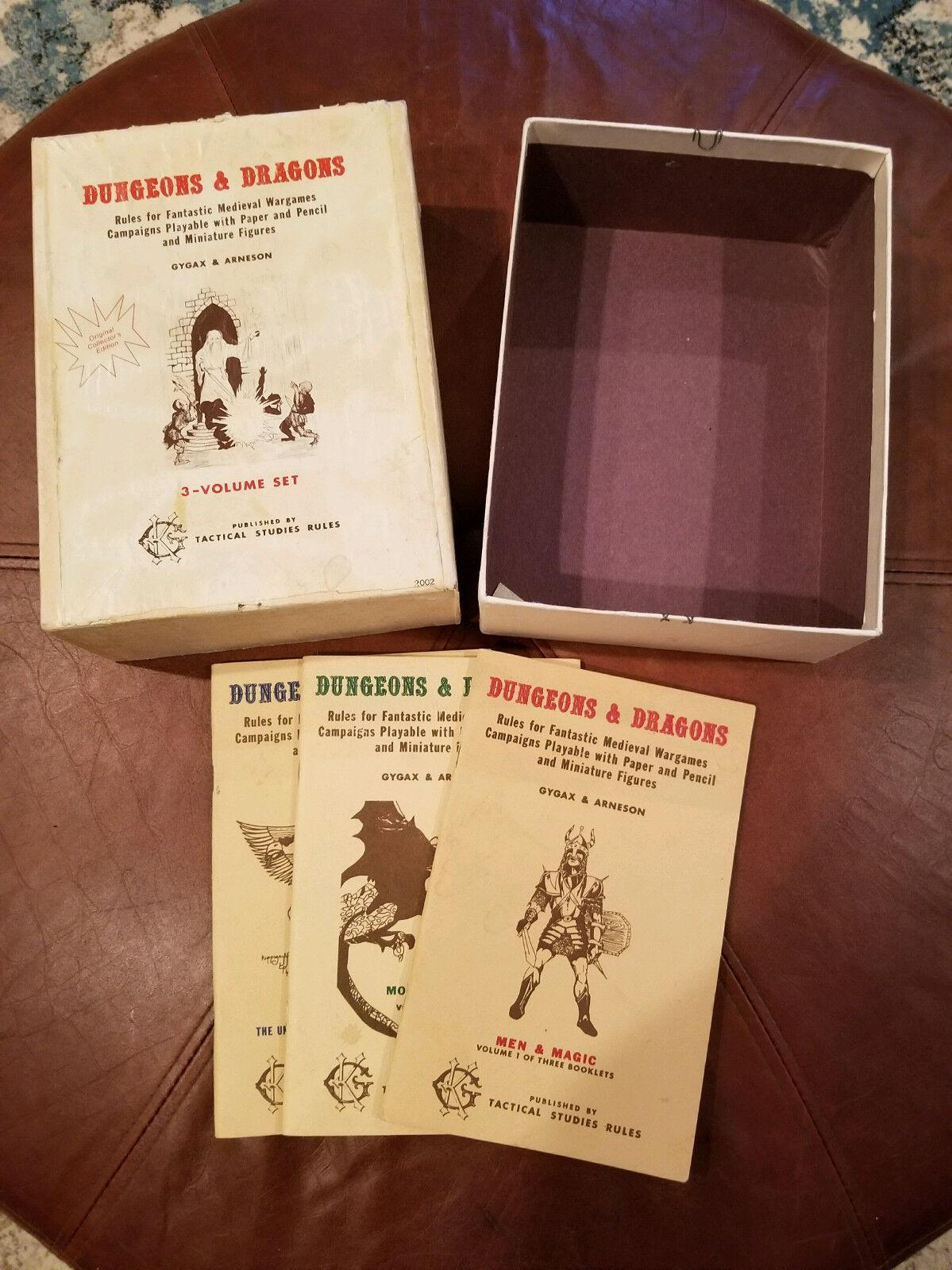 D&D White Box TSR dungeons dragons rpg box box box large box 7511a8