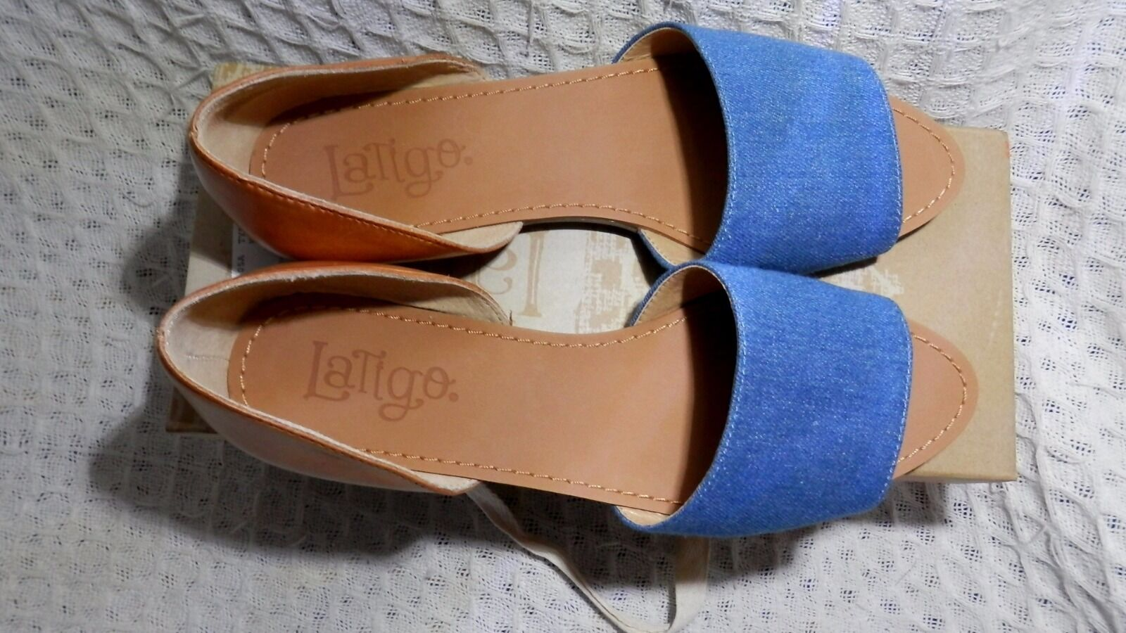WOMEN LATIGO MILLY Blau NATURAL FLAT . SANDALS US 8M/UK 6 . FLAT 25f4ea