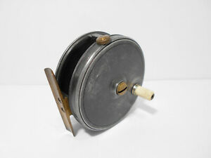 Vintage-Antique-JW-Young-Stamped-10B-3-1-2-034-Contracted-Fly-Fishing-Reel