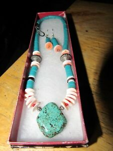 Beaded-turquoise-necklace-and-earring-set