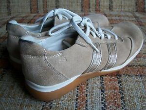 Skechers Womens Size 8 Tan Suede Sneakers Spiked Soles SN 3490
