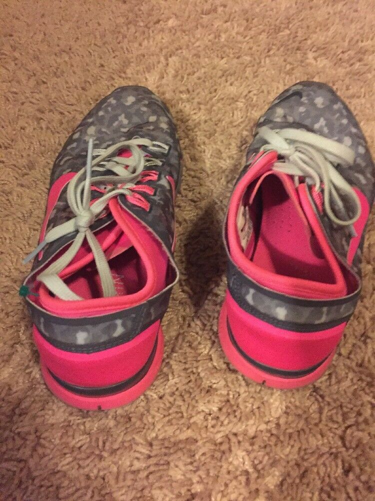 NIKE  TR CONNECT CONNECT CONNECT 2  Women's  RUNNING SHOES US SIZE 7 683dea