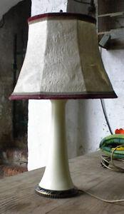Art-Deco-Tischlampe-um-1930