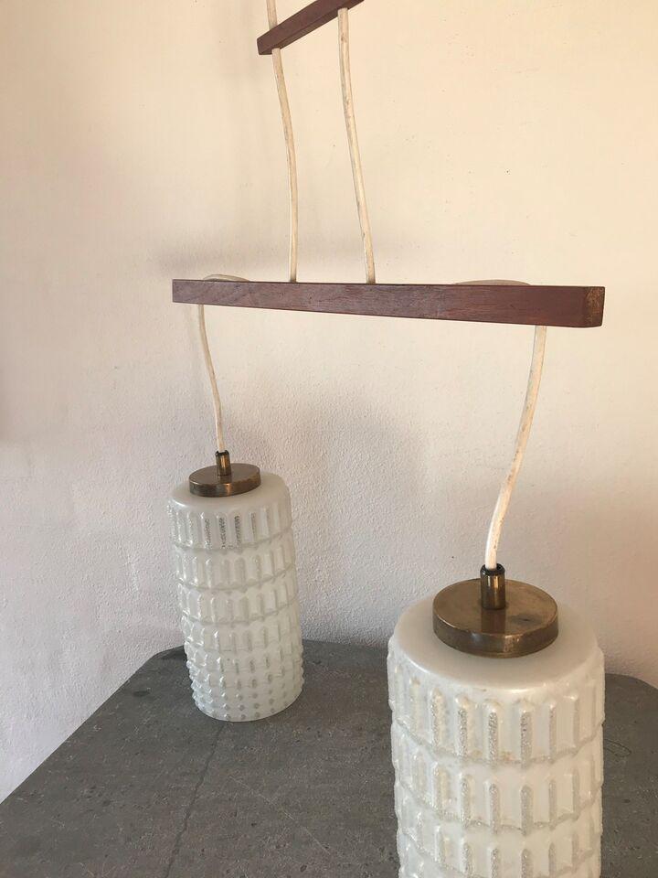 Anden loftslampe, Retro lampe i teak, opalglas og messing