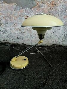 Vintage-Modernist-Art-Deco-Table-Lamp-made-in-Soviet-Union-Moscow-1960s-Rare