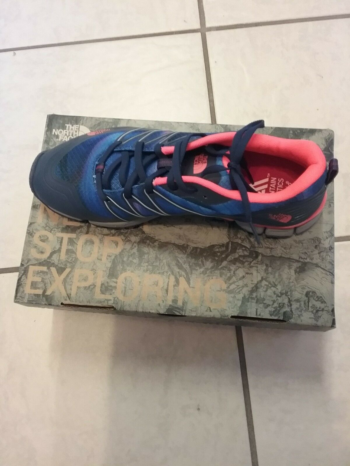 The North Face Women's Litewave Ampere Ampere Ampere Trainer shoes,Size 7.5 NEW MSRP 90.00 97d53b