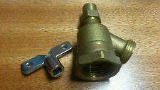 """B&K Loose Key No Kink Brass Water Hose Bibb 1"""" FNPT 135° Elbow"""