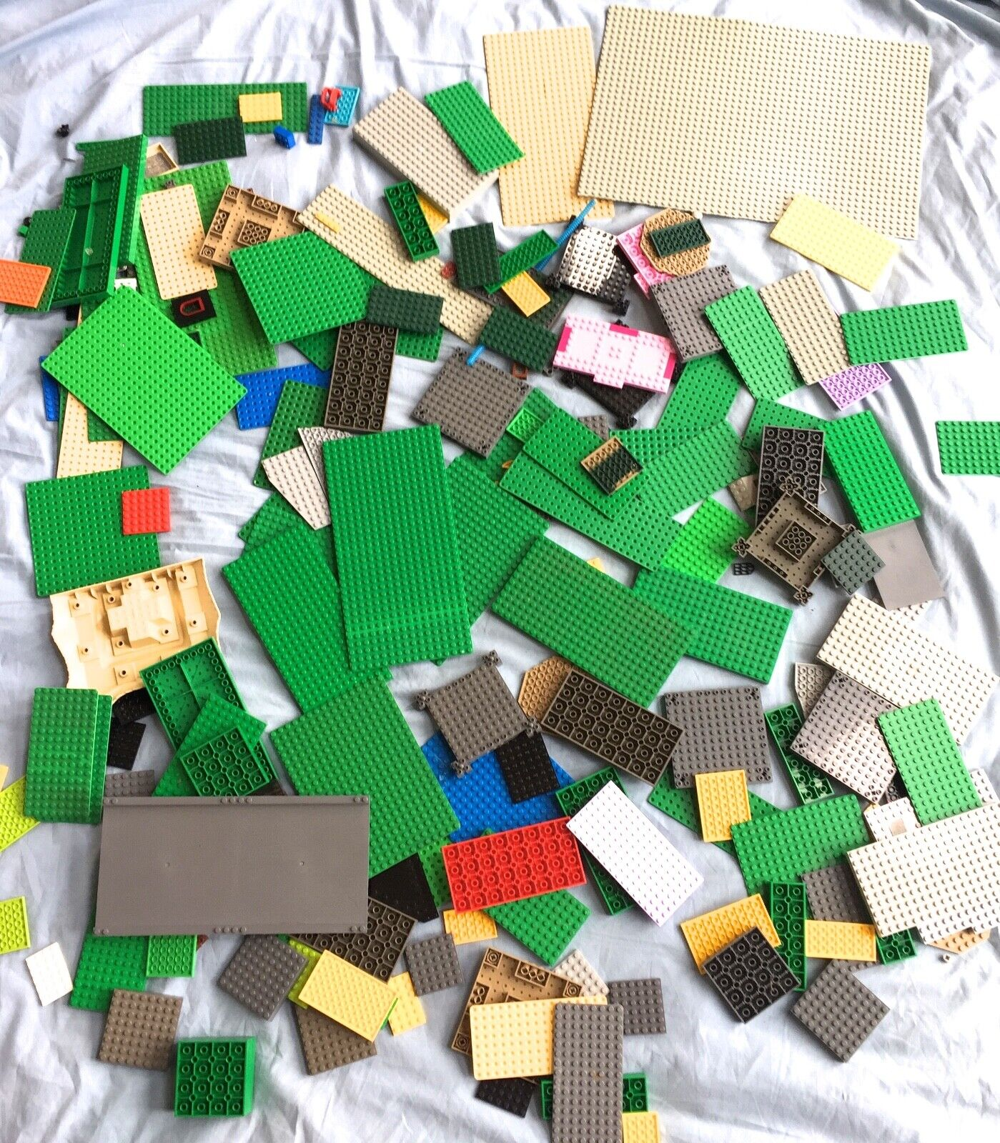 LEGO HUGE 7 POUND Masse OF PLATES TOWN BASEPLATE PARTS MIXED VARIETY BASE PIECES