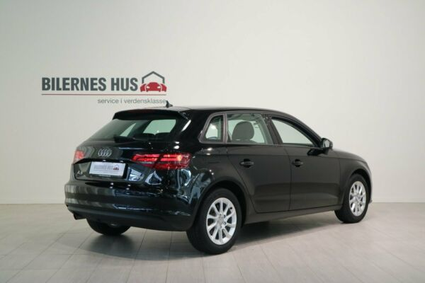 Audi A3 1,2 TFSi 110 Attraction SB S-tr. - billede 1