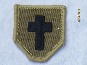 Royal-Army-Chaplains-DEPARTMENT-sacerdote-negro-CAQUI-TRF-PARCHE-colorido