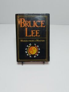 Bruce-Lee-Book-Words-From-A-Master-hardcover-With-Sleeve