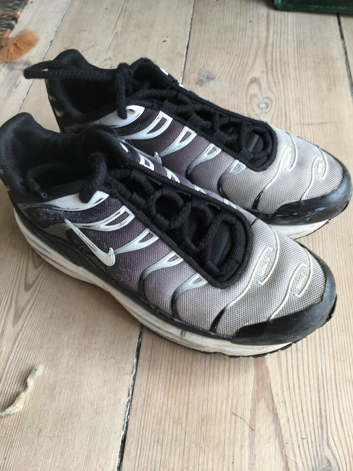 Sneakers, str. 32, Nike – dba.dk – Køb og Salg af Nyt og Brugt