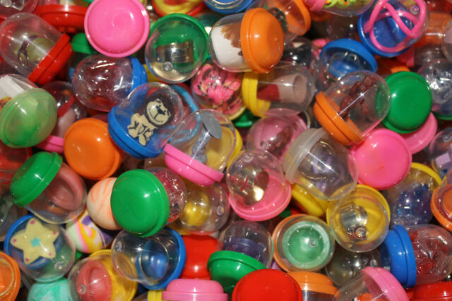 "100 1"" Toy FILLED Vending Capsules Bulk Premium Mix With 1"" Bouncy balls"