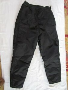 "Preowned Vintage Women's Black Arctic Wear (cat) Snow Pants - Size 30"" by 24"""