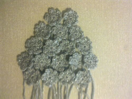Small glittering crochet flowers x 18 in a choice of colour