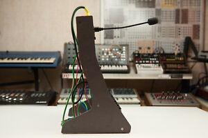 Roland Boutique Trio Stand High Mdf Rack Tb 03 Tr 09 Jx 03
