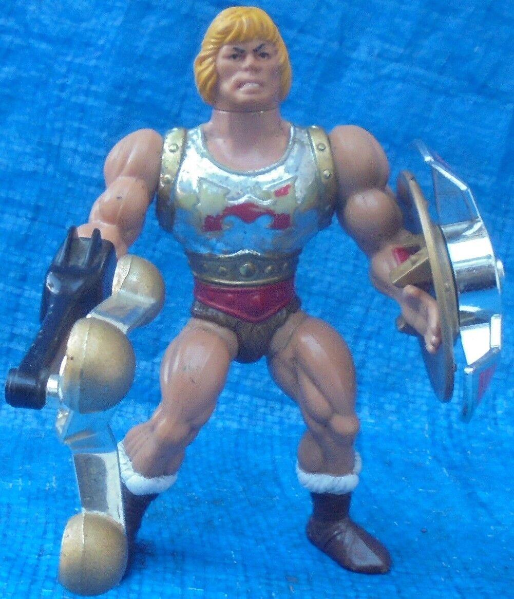 MOTU Flying Fists He-Man Figure avec armes Mattel MASTERS OF THE UNIVERSE 1986
