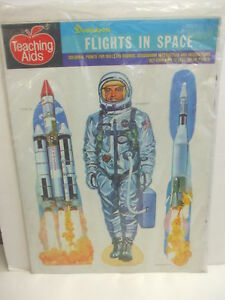 Dennison-Teaching-Aids-FLIGHTS-IN-SPACE-13-Colorful-Prints-New-in-Sealed-Pack