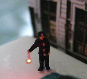 (vp05) Policier Avec Projecteurs époque 4 Personnage Illumine Piste Z (1:220)-er Epoche 4 Figur Beleuchtet Spur Z (1:220)