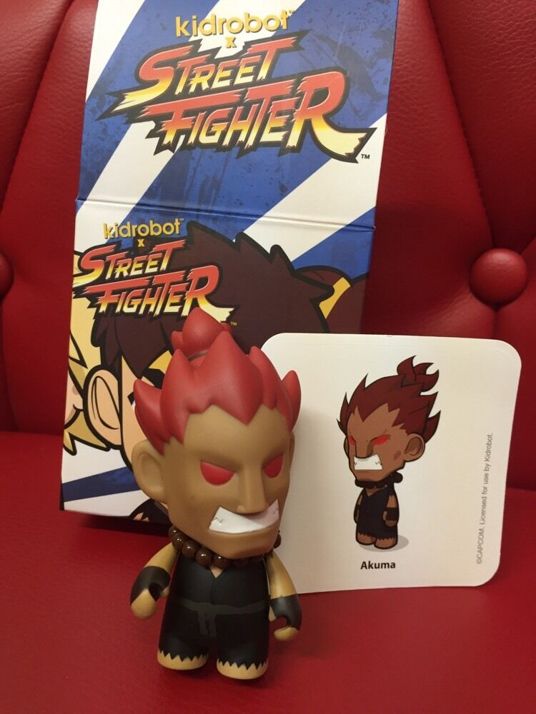 RARE Kidrobot Street Fighter Series 2 - - - Akuma 7654e3