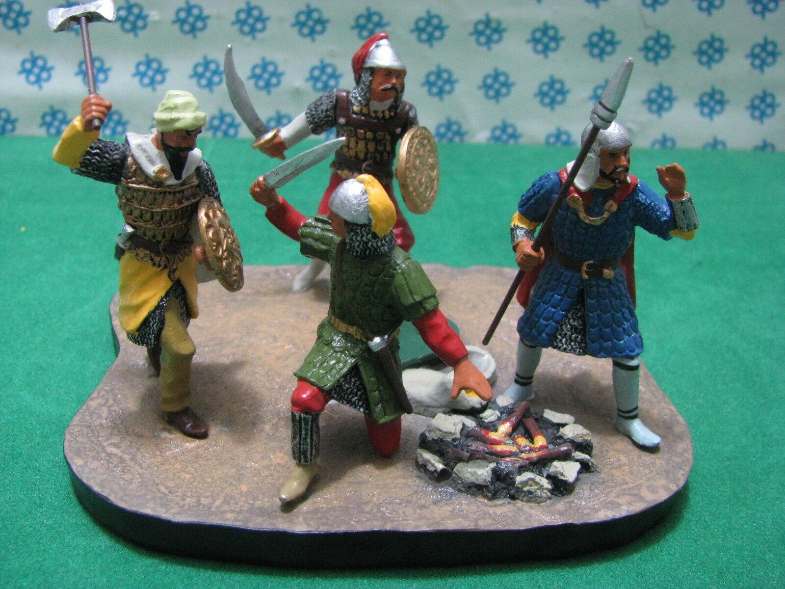 RITTER   Medioevali  Diorama  4 figure con fuoco - metal toy soldier figure se