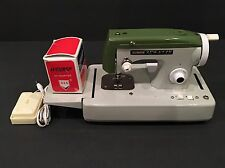 "Great Collectible ""Sew-ette""  Toy Sewing Maching Foot Pedal AC/DC Power Green"