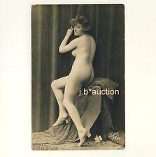 SITTING NUDE WOMAN w BIG BUTT / SITZENDE NACKTE FRAU * Vintage French Photo PC
