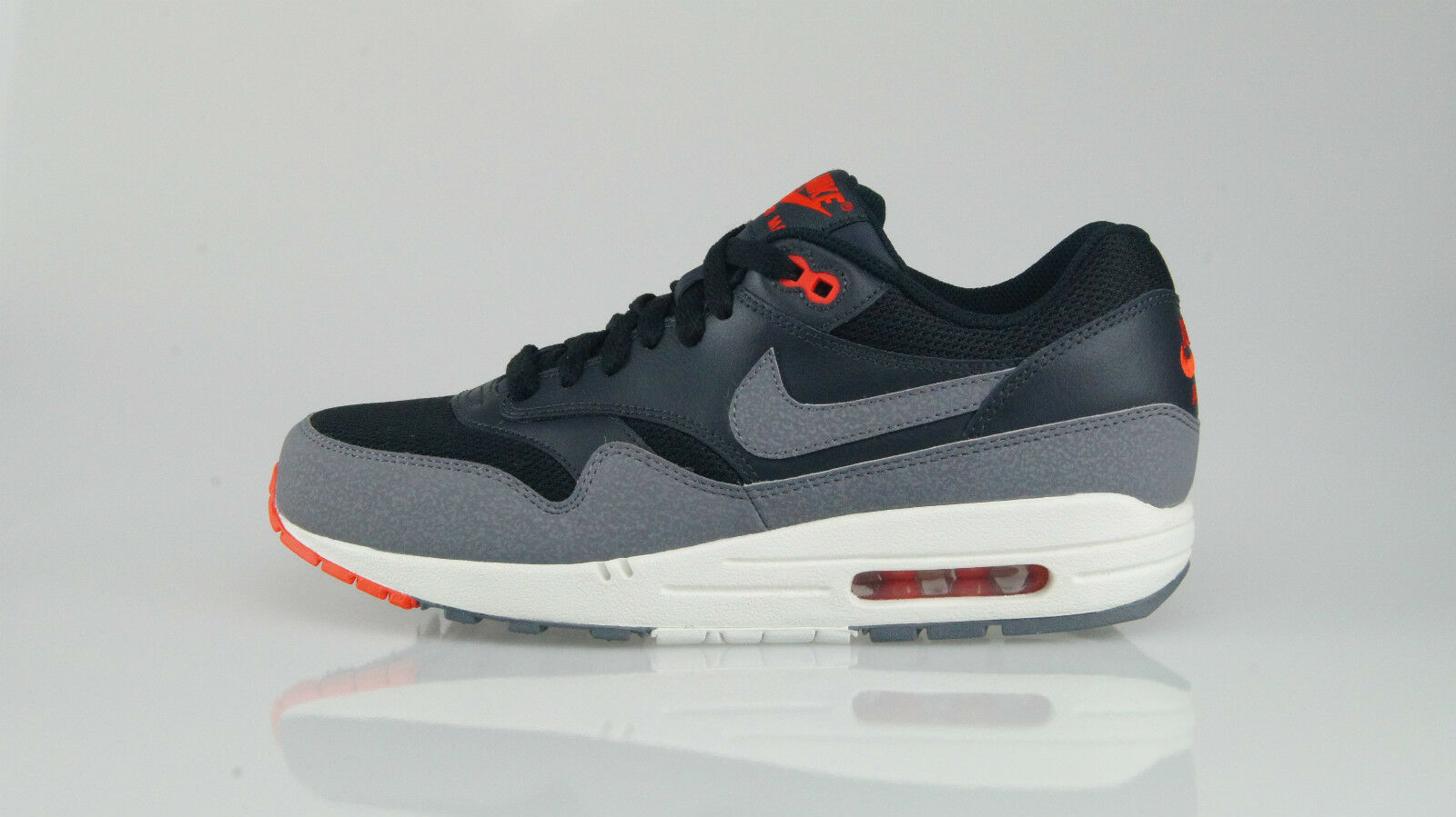 AIR MAX 1 ESSENTIAL Size 40 (6US)