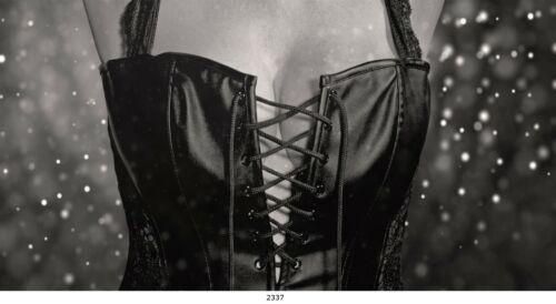 Oberteil Frau Bild auf Leinwand Bekleidung 80x40 cm // 2337 //