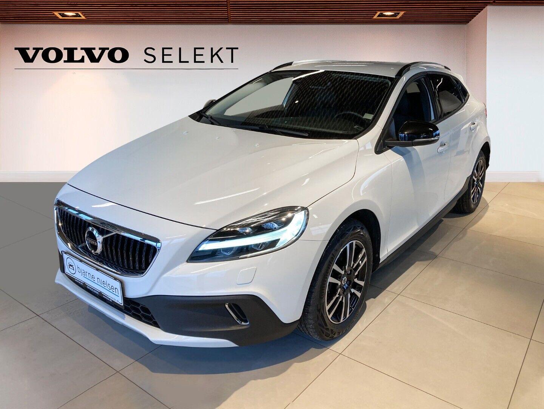 Volvo V40 CC 1,5 T3 152 Momentum aut.