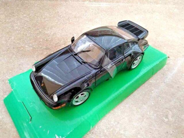 PORSCHE 911 TURBO 3.0 1974 1:24-27 WELLY