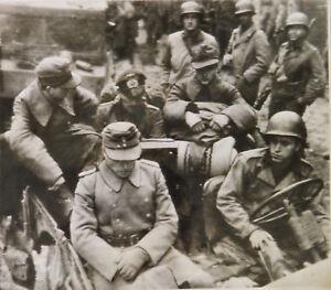WWII-Original-PRESS-PHOTO-German-COL-WILCK-COMMANDER-of-AACHEN-GARRISON-CAPTURED