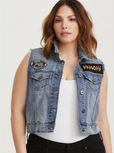 6a4f3bf751a NWT TORRID (4X 26) Womens Cropped Patch Vest Distressed Light Wash ...