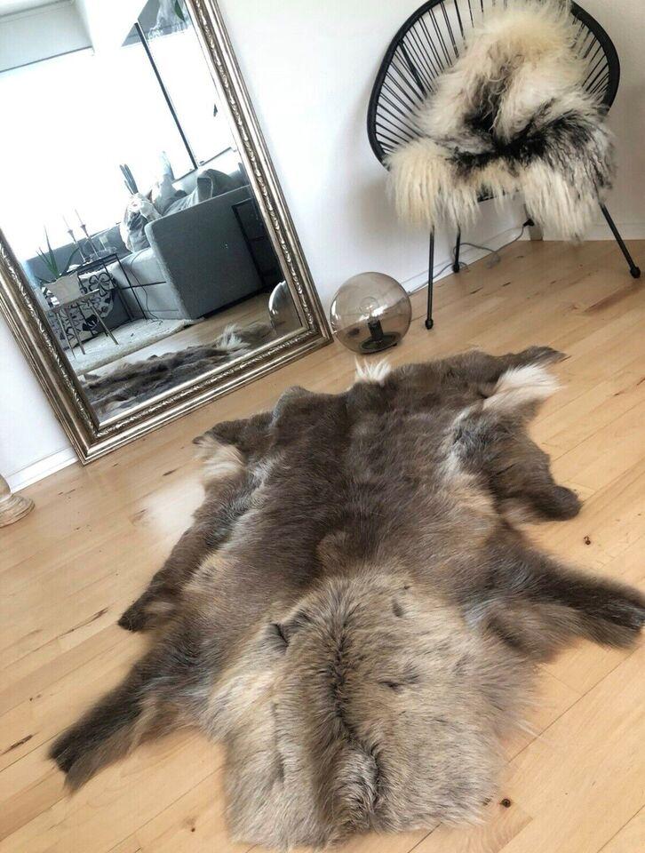 Andet tæppe, ægte tæppe, Rensdyr