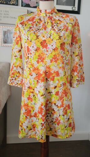 Vintage 60's 70's Flower Power psychedelic Polyest
