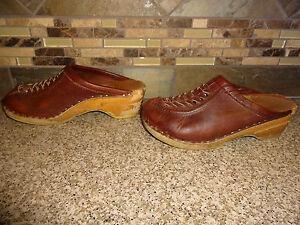 1b69dba020dda Details about Vintage Womens Bastad Sz 34 US 4 Brown Leather Clogs  Wood/Wooden Shoes
