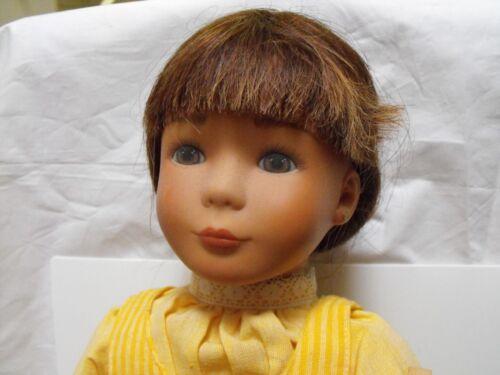 #813 Steiff Puppe mit Strohhut, gelbes Kleid, Echthaar, ca. 50cm, 1988