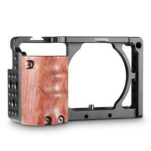 SmallRig A6300 Cage with Wooden Handgrip for Sony A6000/A6300 2082
