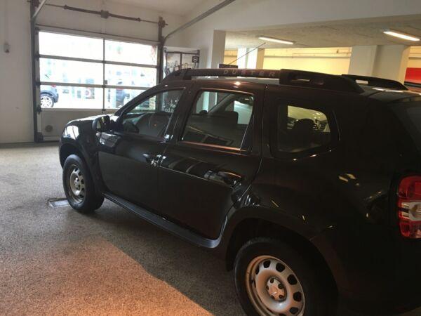 Dacia Duster 1,6 16V Ambiance - billede 2