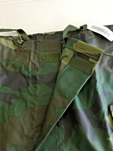 UNISSUED U.S NWT ARMY CAMOUFLAGE WET WEATHER TROUSER LARGE
