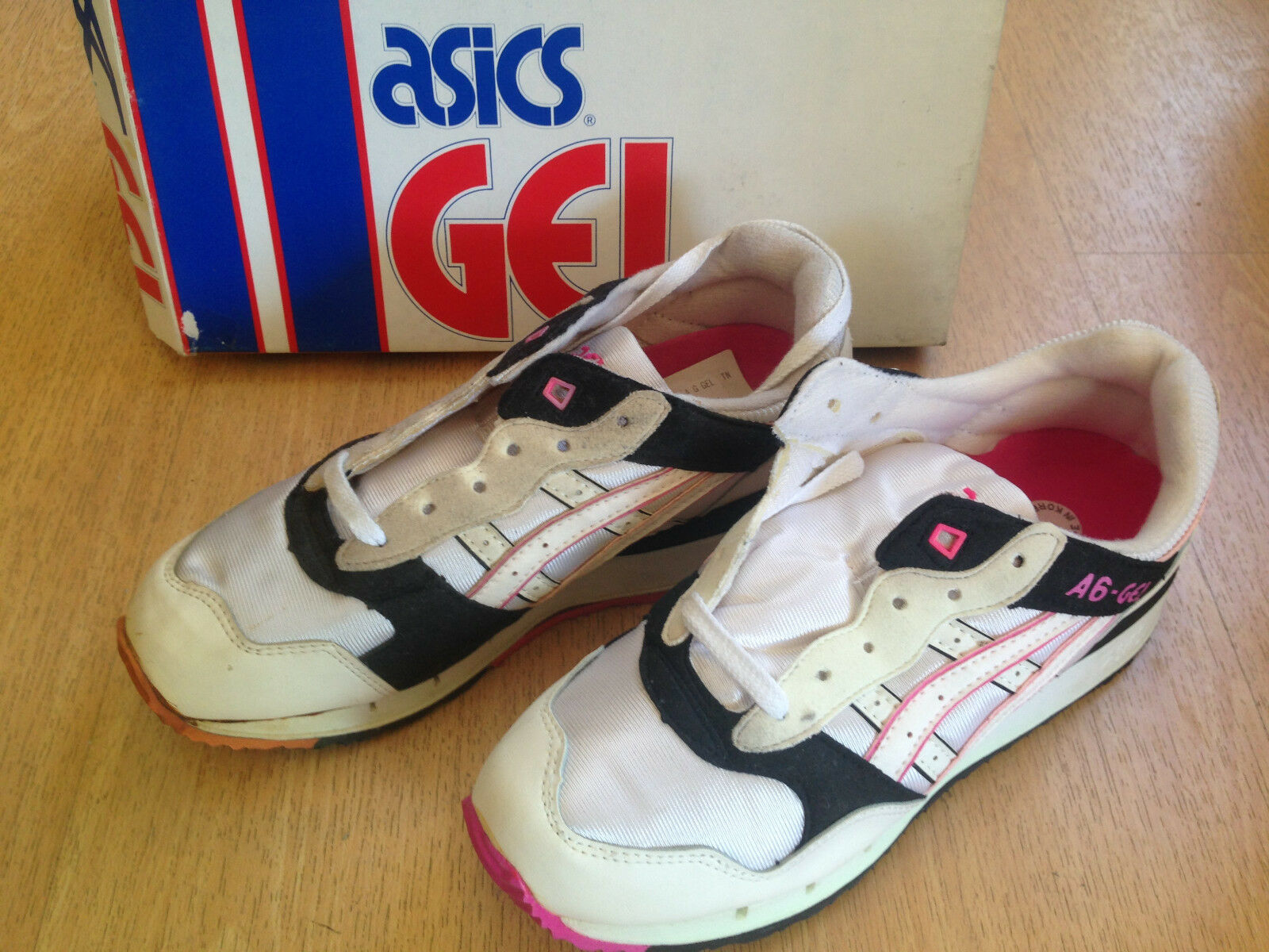OG 1990s Asics A6-GEL sneakers Taille US7 TN-82 RARE