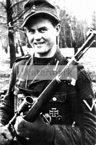 WWII photo Matthias Hetzenauer one of the most successful snipers in German 405