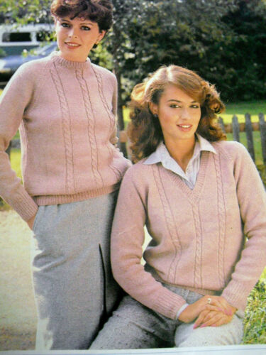 """1696 LADIES DK ROUND /& V-NECK CABLE SWEATER KNITTING PATTERN 32-42/"""" 81-106cm"""