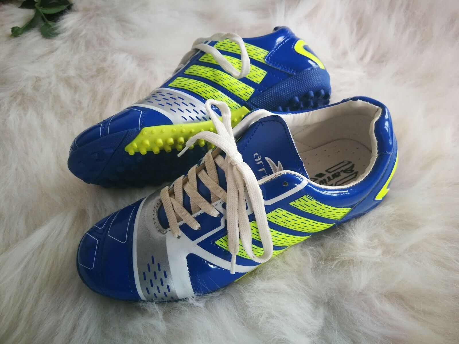 Men Boys Soccer shoes Indoor Turf Soccer Cleats Football shoes Fashion Adult