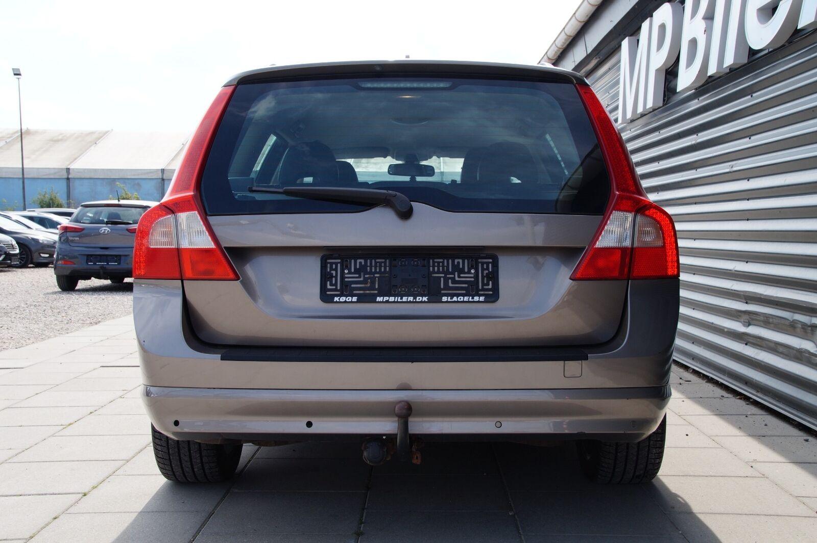 Volvo V70 2,4 D5 185 Momentum aut.